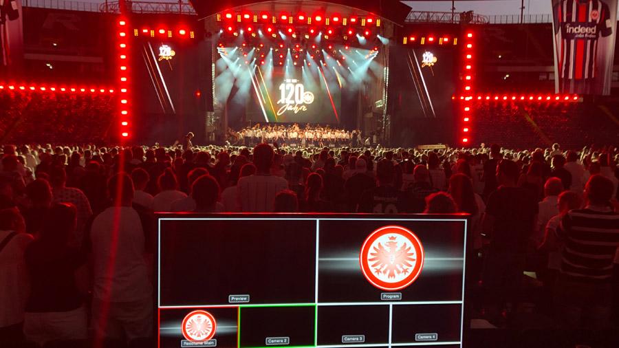 studio-eigengrau-eintracht-frankfurt-jubilaeum-show-visuals-small-06