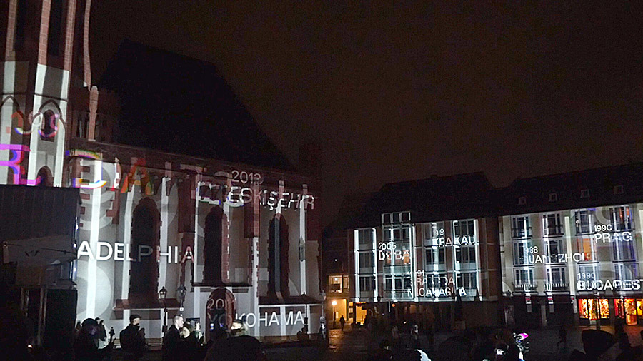 studio-eigengrau-luminale-videomapping-frankfurt-roemer-lichtkunst-small-06