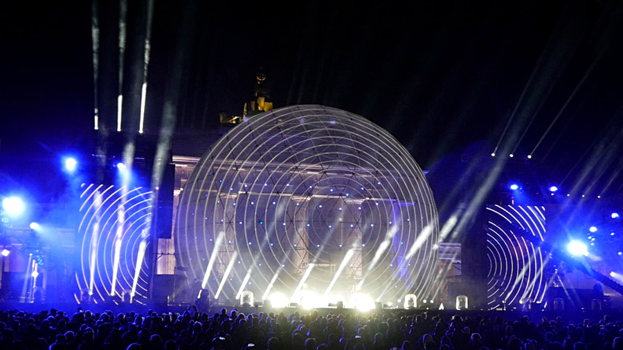 studio-eigengrau-mauerfall-show-dome-projection-small_04