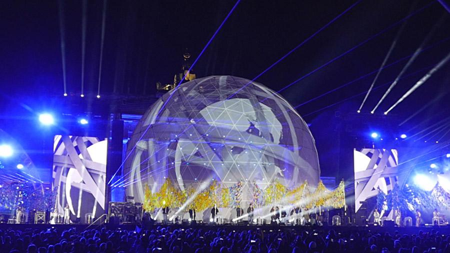 studio-eigengrau-mauerfall-show-dome-projection-small_06