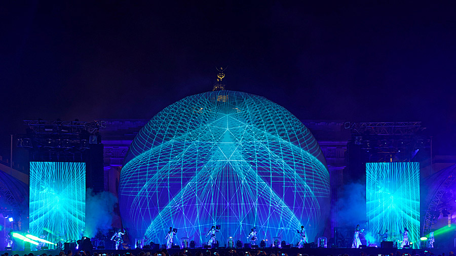 studio-eigengrau-mauerfall-show-dome-projection-small_07