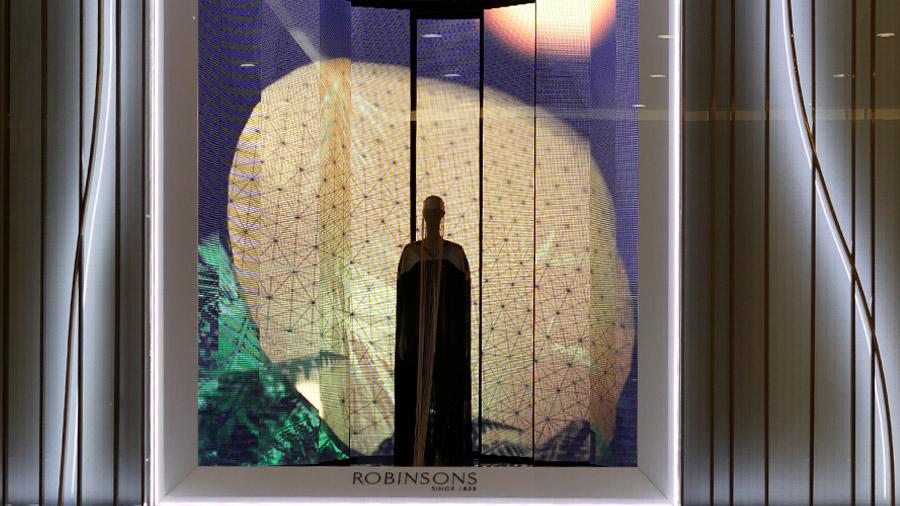 studio-eigengrau-robinsons-dubai-in-store-media-corporate-small-02