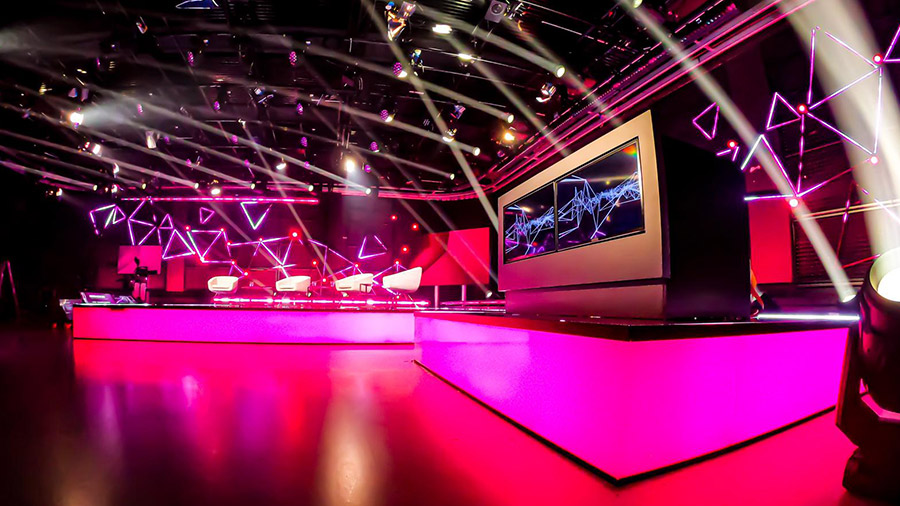 studio-eigengrau-santis-hybrid-digital-event-corporate-small-13