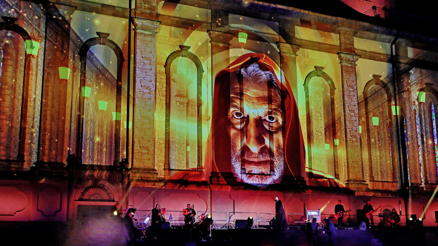 studio-eigengrau-luther-moment-videomapping-theater-show-small-03