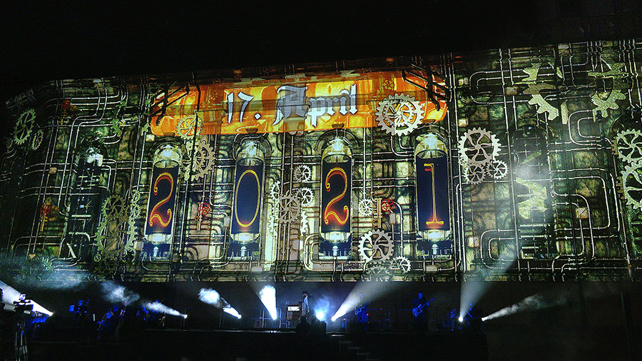 studio-eigengrau-luther-moment-videomapping-theater-show-small-07